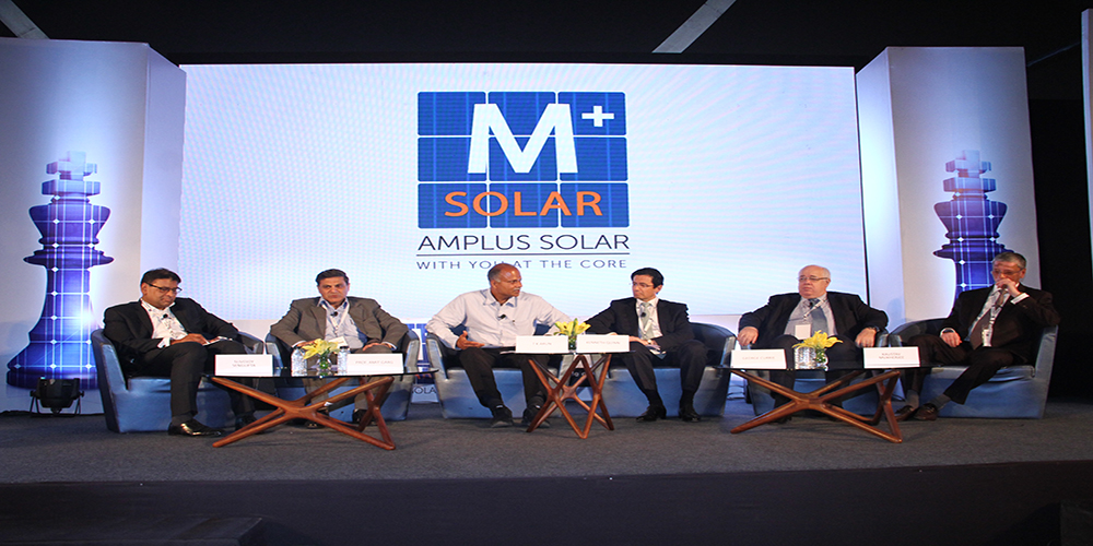 Leadership talk and panel discussion about global trends, challenges and new technologies at Energyscape!-amplus_media
